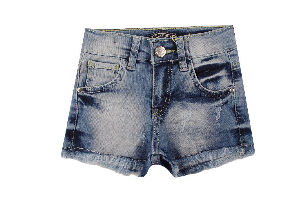 Къси дънкови панталонки момиче