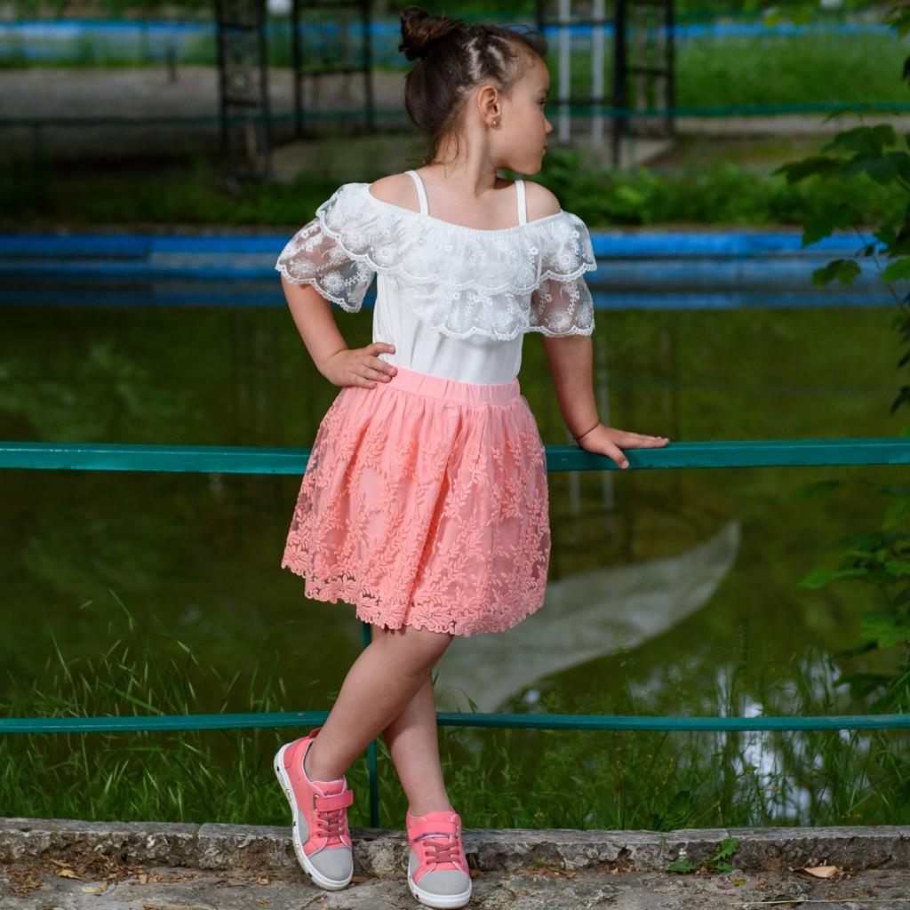 Блуза за момиче с дантелени ръкави