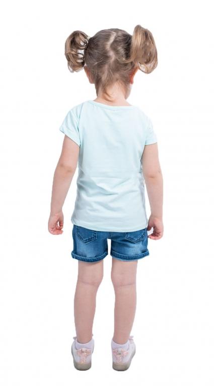 Дънкови панталонки момиче